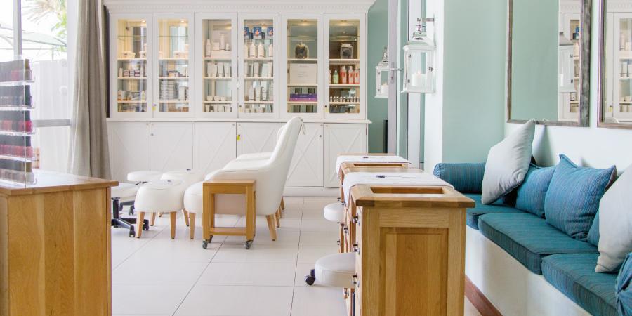 the-bay-hotel-facilities-mint-wellness-spa-interior