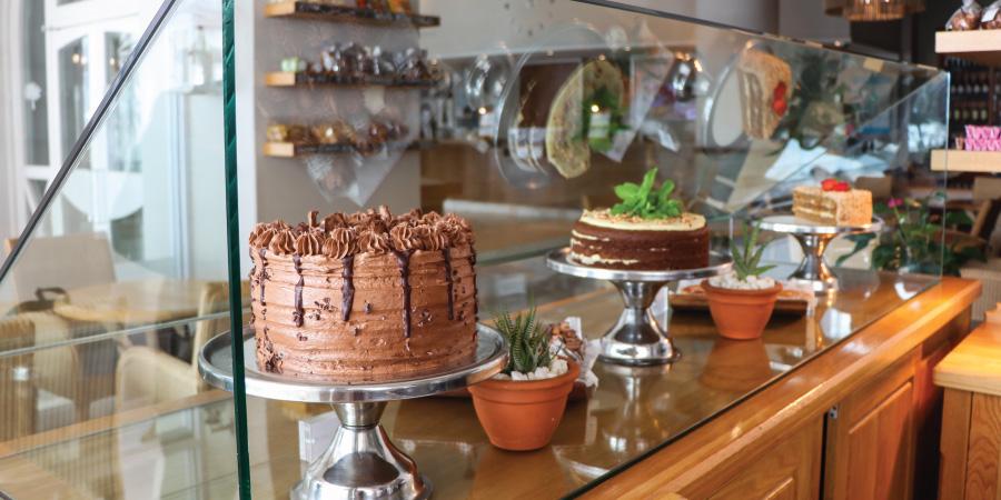 the-bay-hotel-restaurants-bistro-cafe