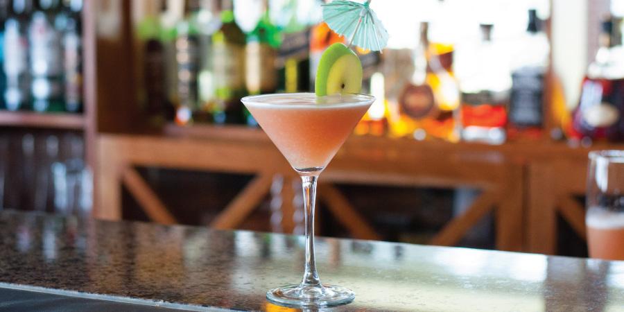 the-bay-hotel-restaurants-caamils-bar-caamiltini