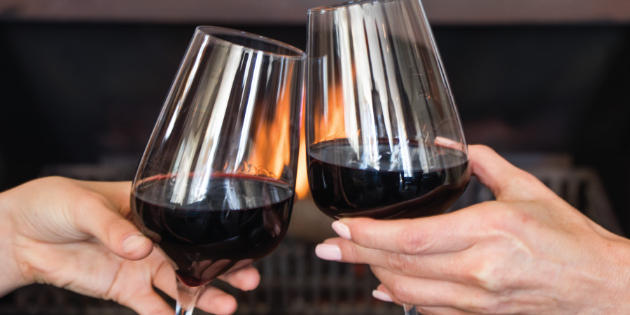 the-bay-hotel-restaurants-caamils-bar-wine-cheers