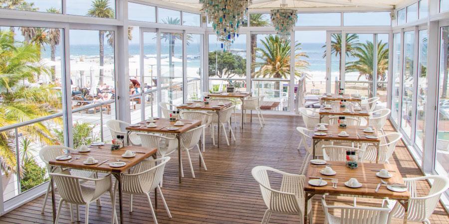 the-bay-hotel-restaurants-tides-interior-2